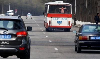 Triều Tiên hạn chế bán xăng, dầu