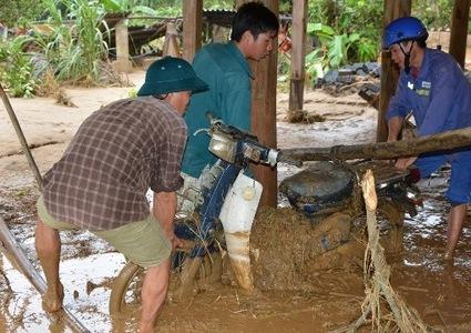 Vietnam flood death toll rises to 19, many still missing