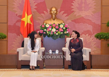 National Assembly leader welcomes Head of France-Vietnam friendship Parliamentary Groups