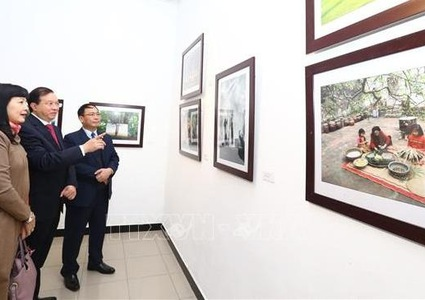 Exhibition opens in Hanoi to celebrate new spring