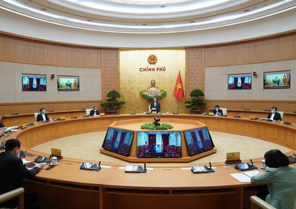 PM: Vietnam aims to contain COVID-19 within one month