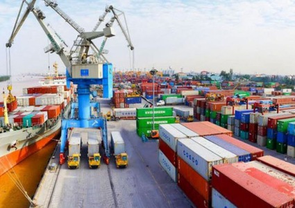 Vietnam posts trade surplus of nearly US$1 billion in first half of March despite COVID-19 epidemic
