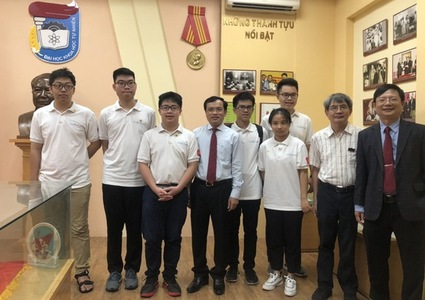 Vietnam strikes two golds at 61st International Mathematical Olympiad