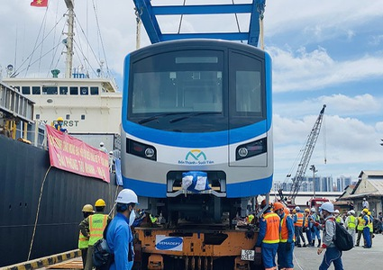 Two more metro trains arrive in HCMC