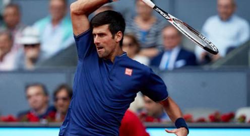 Novak Djokovic vào tứ kết Madrid mở rộng