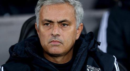Mourinho cáu tiết vì bị