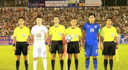 Vòng 25 giải VĐQG V.League 2017: VPF mời 2 trọng tài ngoại điều khiển 2 trận tâm điểm