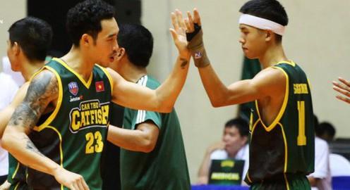 Hai anh em Tâm Đinh và Sang Đinh - gạch nối của VBA