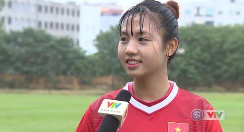 Hotgirl U19 nữ Việt Nam muốn nhận thật nhiều quà trong ngày 20/10