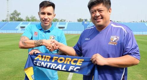 Rời Becamex Bình Dương, Michal Nguyễn sang Thái League thi đấu