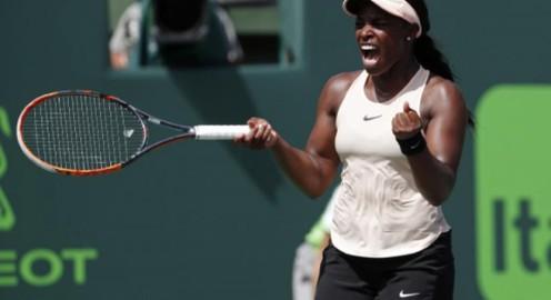 Miami mở rộng: Sloane Stephens đánh bại Azarenka để vào chung kết