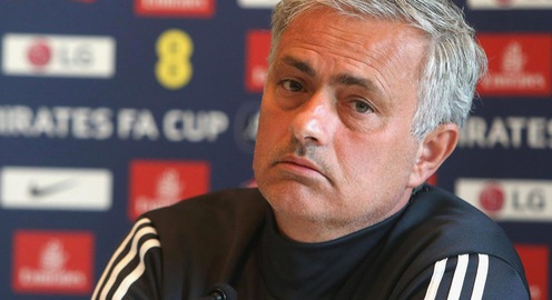 HLV Mourinho báo tin không thể buồn hơn cho fan Man Utd