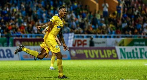 Than Quảng Ninh 1-3 FLC Thanh Hóa: Chiến thắng ấn tượng trên sân khách!