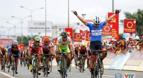 Chặng 14 giải xe đạp quốc tế VTV Cup Tôn Hoa Sen 2018: Im Jaeyeon (Korail Cycle Team) xuất sắc về nhất chặng!