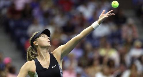Sharapova chia tay mùa giải 2018 vì chấn thương