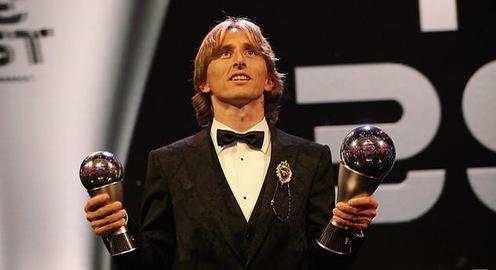Báo chí và truyền thông thế giới chia vui cùng Modric sau lễ trao giải FIFA The Best