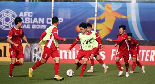 Asian Cup 2019: ĐT Việt Nam thoải mái tập luyện chuẩn bị gặp ĐT Iran