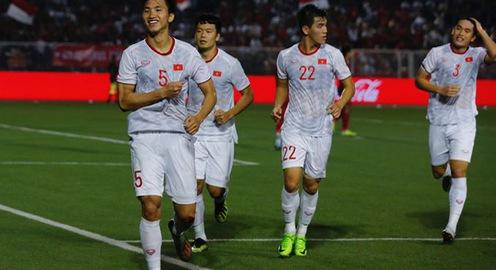 VIDEO: Văn Hậu lập cú đúp bàn thắng vào lưới U22 Indonesia