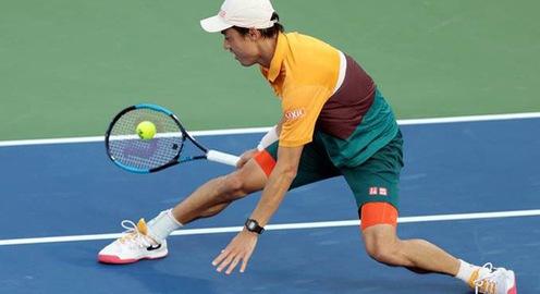 Kei Nishikori bất ngờ dừng bước tại vòng 2