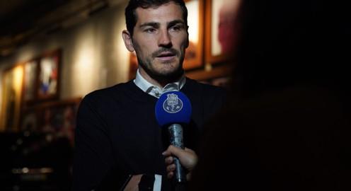 Iker Casillas tiếp tục ở lại Porto với vai trò mới