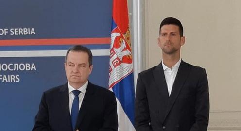 """Novak Djokovic nhận bằng khen """"độc nhất vô nhị"""""""