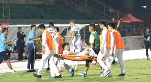 Đức Chinh chỉ bị chấn thương nhẹ, HLV Park thở phào