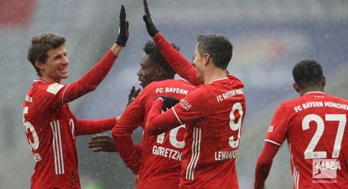 """Bayern Munich 2-1 Freiburg: """"Hùm xám"""" giành trọn 3 điểm trên sân nhà"""