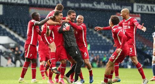 Alisson Becker ghi bàn, Liverpool tiến sát tấm vé dự Champions League