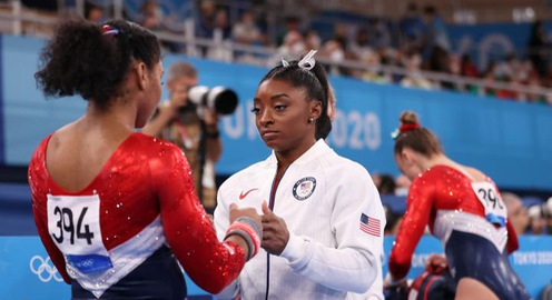 Simone Biles chính thức rút khỏi Olympic Tokyo