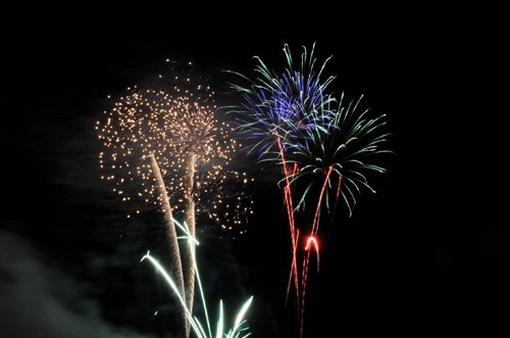Đà Nẵng cho phép tàu du lịch chở khách xem pháo hoa
