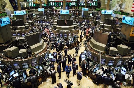 Thị trường chứng khoán Mỹ giảm điểm trước những diễn biến căng thẳng thương mại mới