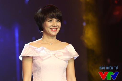 Nhà báo Đặng Diễm Quỳnh nhận quyết định bổ nhiệm Trưởng Ban Thanh thiếu niên