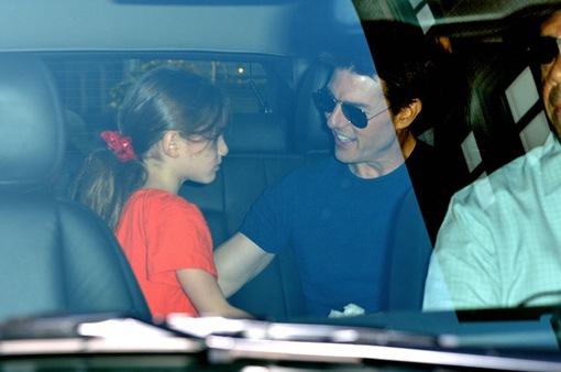 Tom Cruise vẫn không đoái hoài gì đến con gái, bỏ mặc Suri trong ngày sinh nhật
