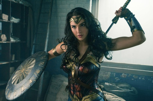 Điểm danh dàn mỹ nữ từng thủ vai Wonder Woman qua các thời kì