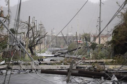 Puerto Rico tê liệt sau bão Maria