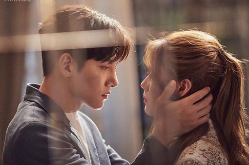 """Ngắm những hình ảnh """"nóng"""" trong Đối tác đáng ngờ, hẳn fan của Ji Chang Wook đều nghẹt thở"""