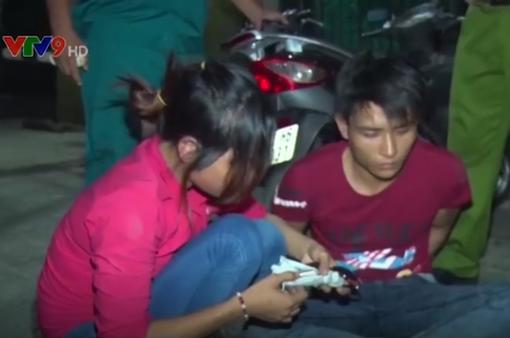 Bắt đôi nam nữ trộm xe máy chuyên nghiệp