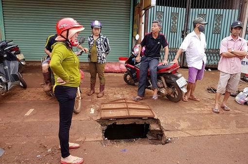 Bình Phước: Đã tìm thấy thi thể nữ sinh bị nước cuốn trôi xuống cống