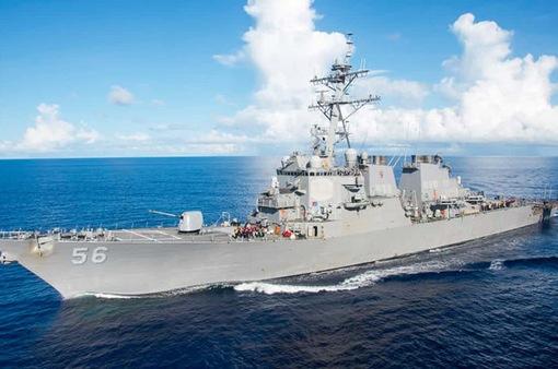 Tàu chiến Mỹ va chạm tàu chở dầu tại Singapore, ít nhất 10 thủy thủ mất tích