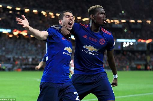 Ảnh: Man Utd đánh bại Ajax trong trận chung kết Europa League 2017 để đăng quang ngôi vô địch