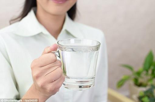 Cơ thể bạn cần bao nhiêu nước mỗi ngày?
