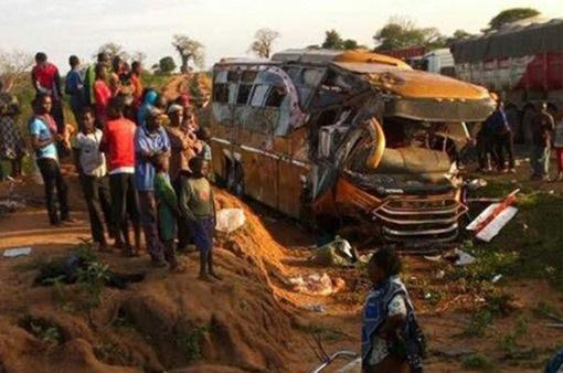 Kenya: Xe bus đấu đầu xe tải, gần 30 người thiệt mạng