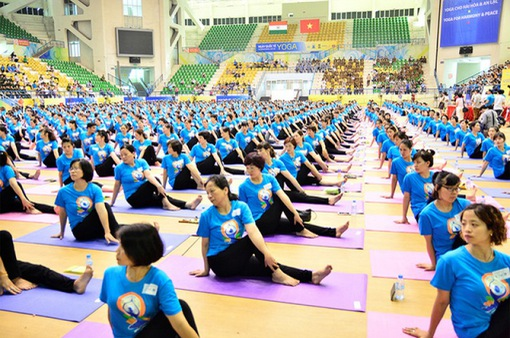 2 cơ hội nhận quà trong Ngày Quốc tế Yoga lần thứ 6 tại Hà Nội