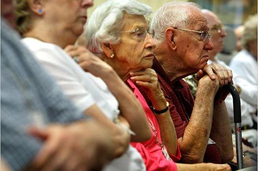 Người già ở Mỹ chênh lệch thu nhập nghiêm trọng