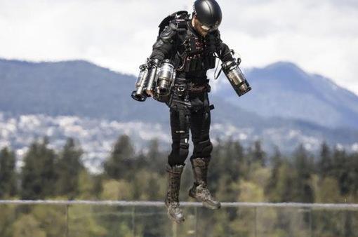 Với bộ đồ Dedalus, Iron Man đã không còn ở trong phim viễn tưởng