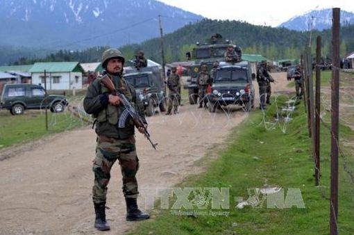 Ấn Độ áp đặt lệnh giới nghiêm tại Kashmir