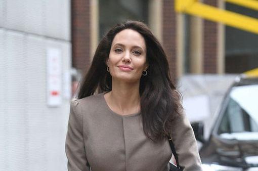 Những lời nói dối về Angelina Jolie