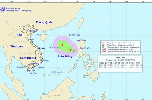 Áp thấp nhiệt đới cách huyện đảo Hoàng Sa khoảng 200km về phía Đông