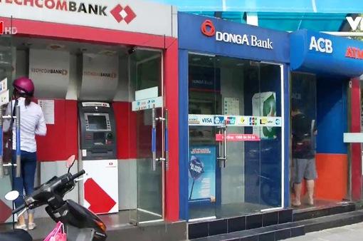 Phần lớn ATM đáp ứng tốt nhu cầu rút tiền dịp nghỉ lễ 30/4 - 1/5