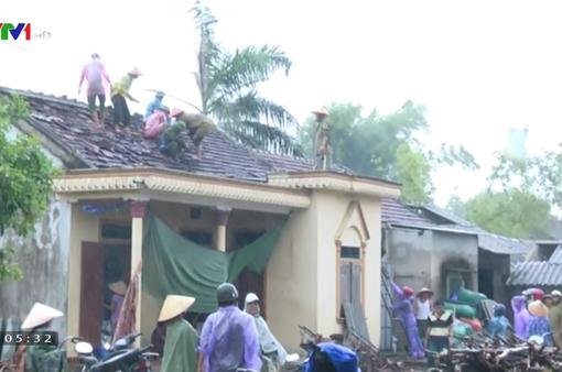 Bão số 4 tốc mái 30 nhà ở Hà Tĩnh, ngập úng 2.000 ha lúa ở TT-Huế